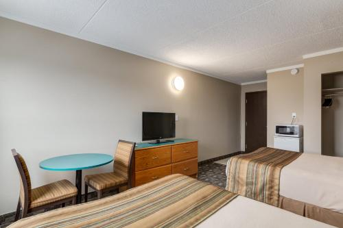 Airport Traveller's Inn Photo