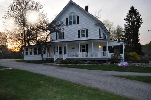 Pleasant Lake House B&B