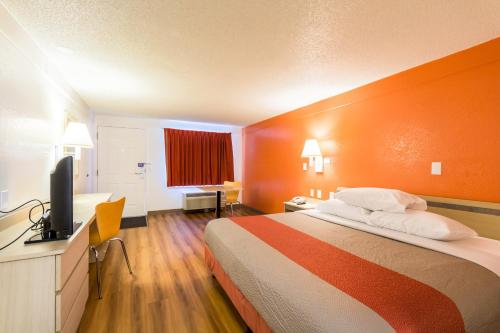 Motel 6 Philadelphia Airport - Essington Photo