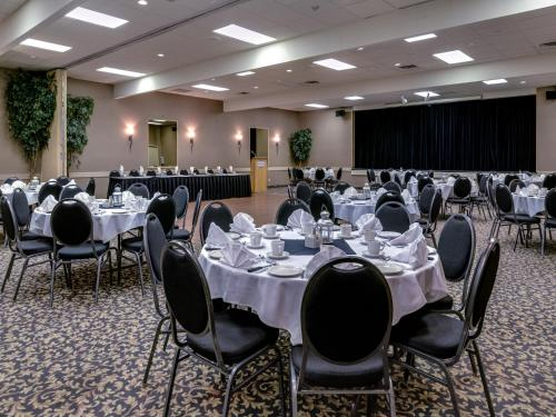 Heritage Inn Hotel & Convention Centre - Cranbrook Photo