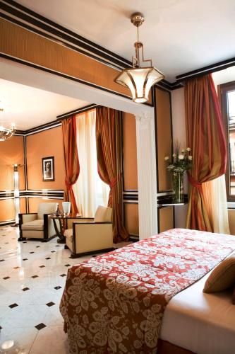 Baglioni Hotel Regina - The Leading Hotels of the World photo 2