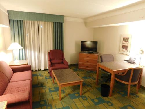 Days Inn Chicago Arlington Heights Photo