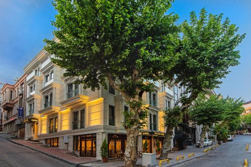 İstanbul Grand Naki Hotel how to get