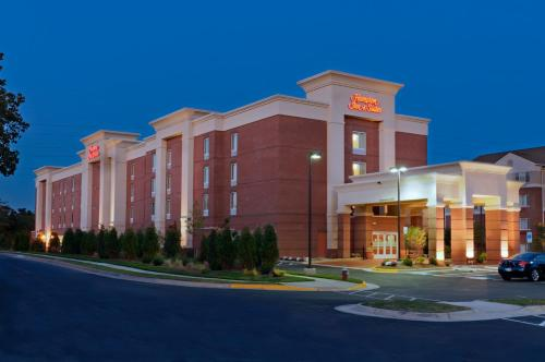 Hampton Inn & Suites Herndon-Reston Photo