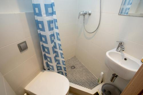 Hotel Hostal Excellence thumb-3