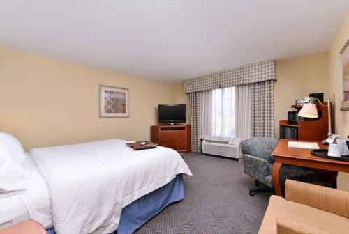 Hampton Inn Evanston Photo