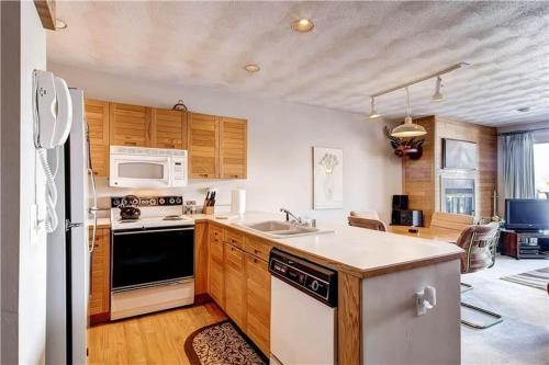 Tenderfoot Apartment Photo