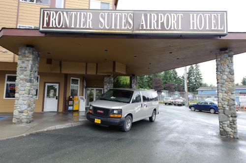 Frontier Suites Airport Hotel Photo