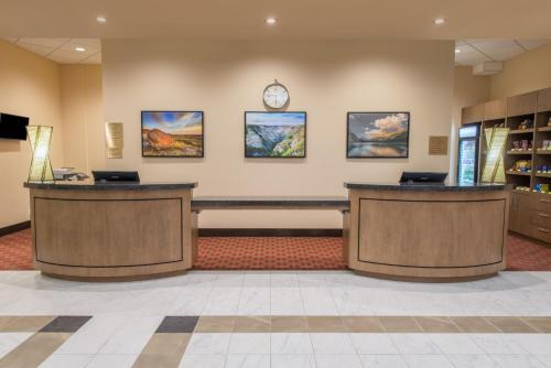 Wyndham Garden Calgary Airport Photo