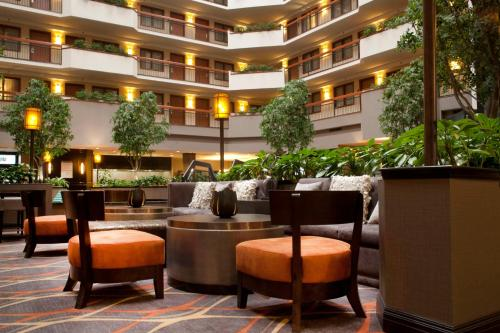 Embassy Suites Austin - Arboretum photo 22