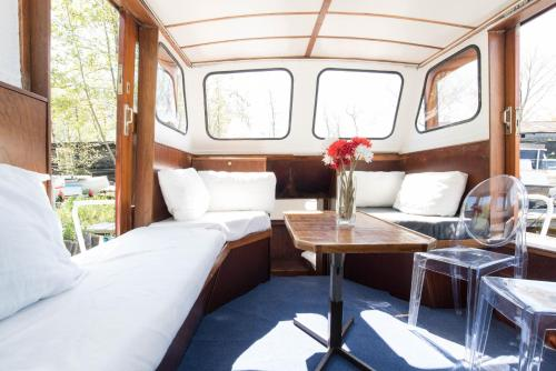 Antique South Houseboat - amsterdam -