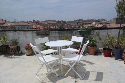 Penthouse Apartment overlooking Place Carnot photo 2