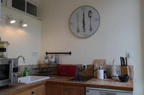 Penthouse Apartment overlooking Place Carnot photo 9