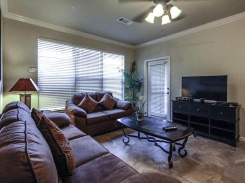 Charo Parkway Apartment 906 #411 Photo