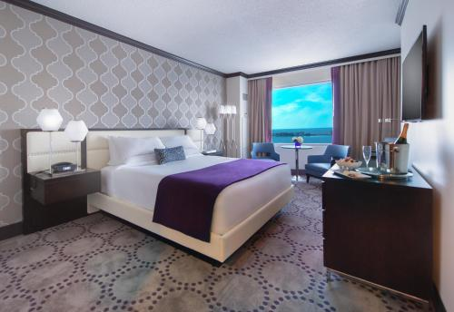 Harrah's Gulf Coast Hotel & Casino Photo