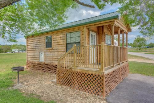Lake Conroe One-Bedroom Cabin 3 Photo