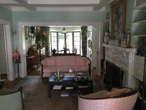 Dresden B & B - Los Angeles, CA 90046