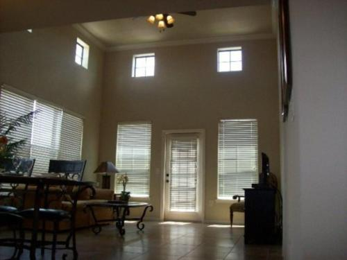 Charo Pkwy Apartment 904 #531 Photo
