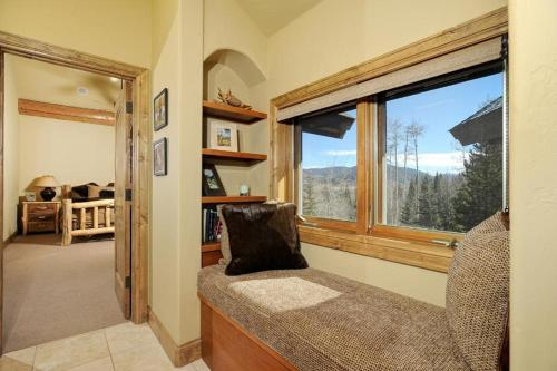 Elk Meadow Lodge Photo