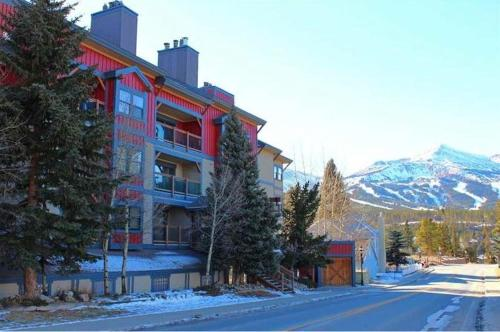 Longbranch, Apartments at Breckenridge Photo