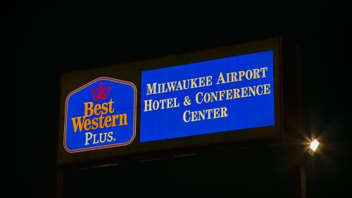Best Western Plus Milwaukee Airport Hotel & Conference Center Photo