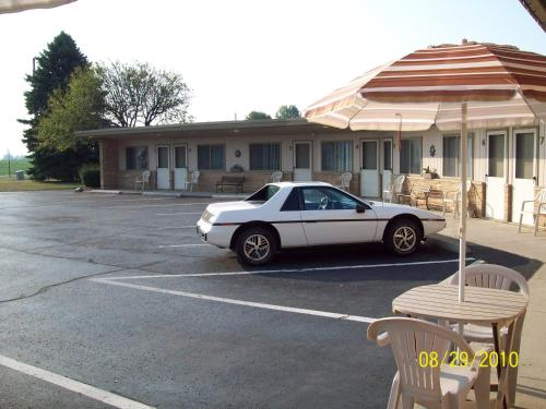 The Plaza Motel Photo