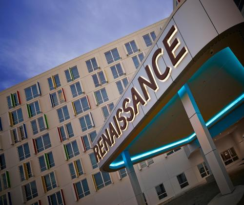 Renaissance Edmonton Airport Hotel Photo