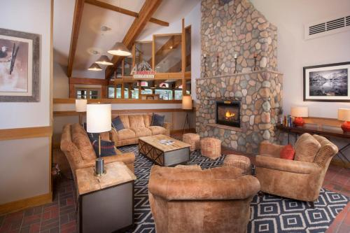 Evergreen Lodge at Vail Photo