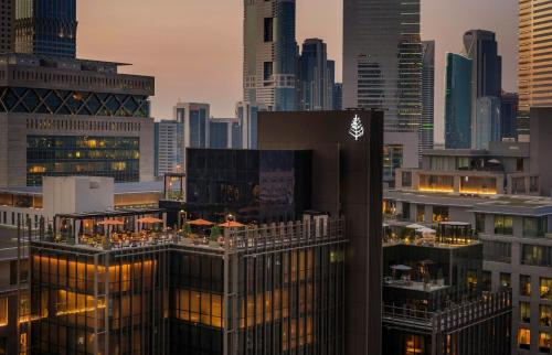 Four Seasons Hotel Dubai International Financial Centre photo 2
