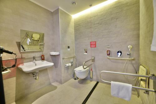 Park Inn By Radisson Istanbul Ataturk Airport photo 46