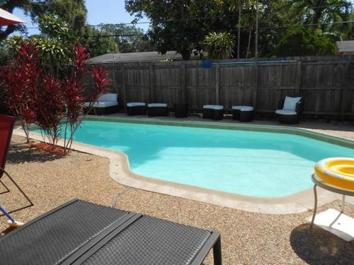 Downtown Furnished Pool Home Photo