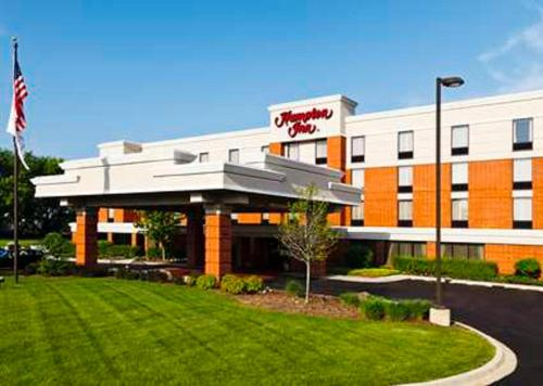 Hampton Inn McHenry Photo