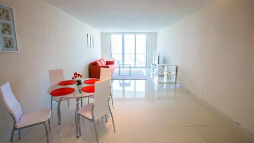 Collins Apartment in Sunny Isles