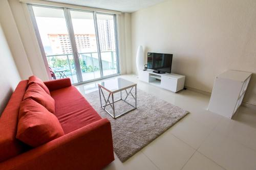 Collins Apartment in Sunny Isles Photo