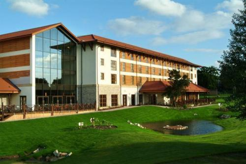 Photo of Chessington Hotel Hotel Bed and Breakfast Accommodation in Chessington London
