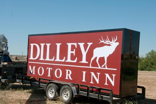 Dilley Motor Inn Photo