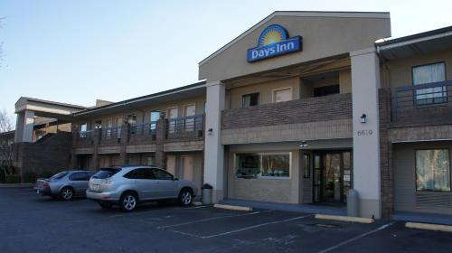Days Inn Raleigh, Glenwood-Crabtree
