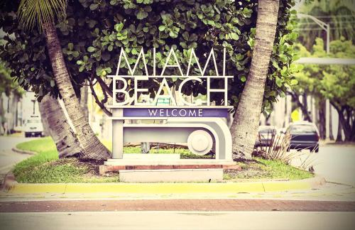Clifton Miami Beach Photo