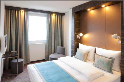 Motel One Hamburg-Alster photo 42