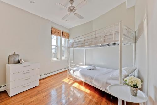 Two-Bedroom on Tremont Street Apt 6 Photo