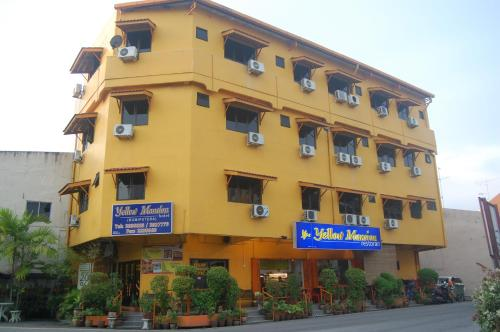 YELLOW MANSION HOSTEL