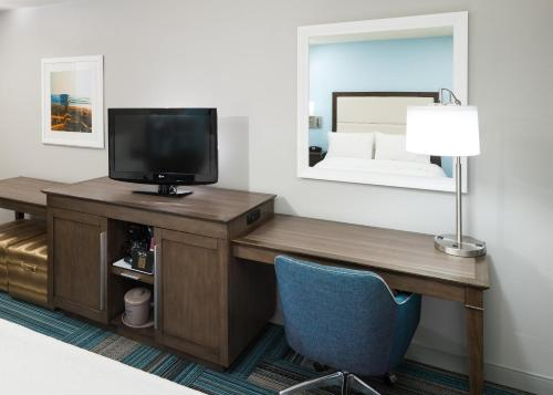 Hampton Inn San Diego-Downtown - San Diego, CA 92101
