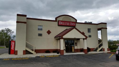 Deluxe Inn (formerly Days Inn) photo