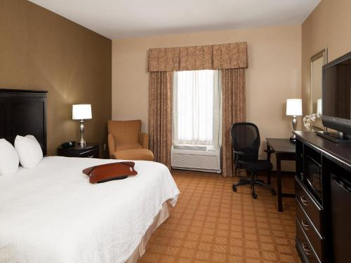 Hampton Inn & Suites Chicago/Saint Charles Photo