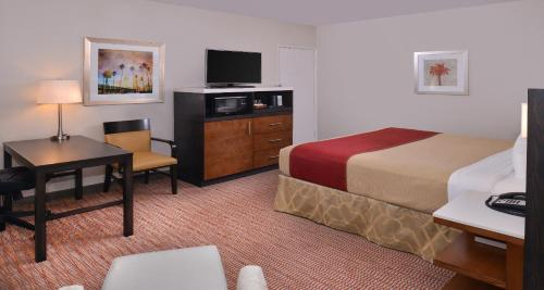 Best Western Royal Palace Inn & Suites Photo