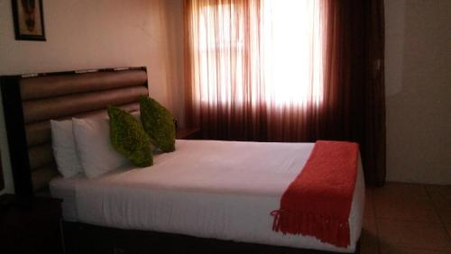 Lekoa Bed and Breakfast and Trading Photo