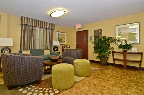 Best Western Lafayette Inn Photo