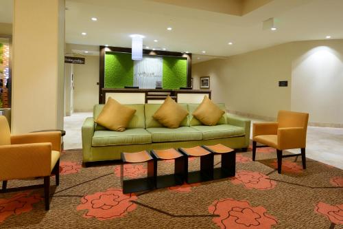 Hilton Garden Inn Greensboro Airport Photo