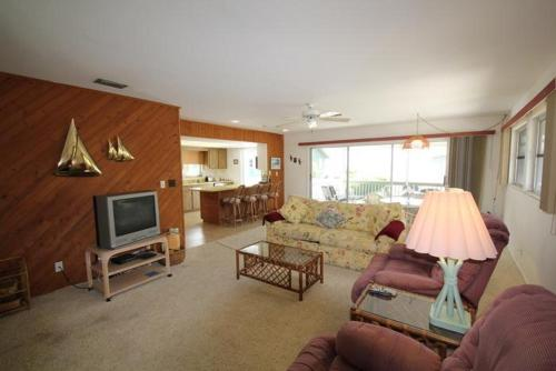 Estero Boulevard Apartment Photo