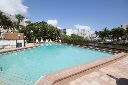 Estero Yacht & Racquet Club Apartment Photo